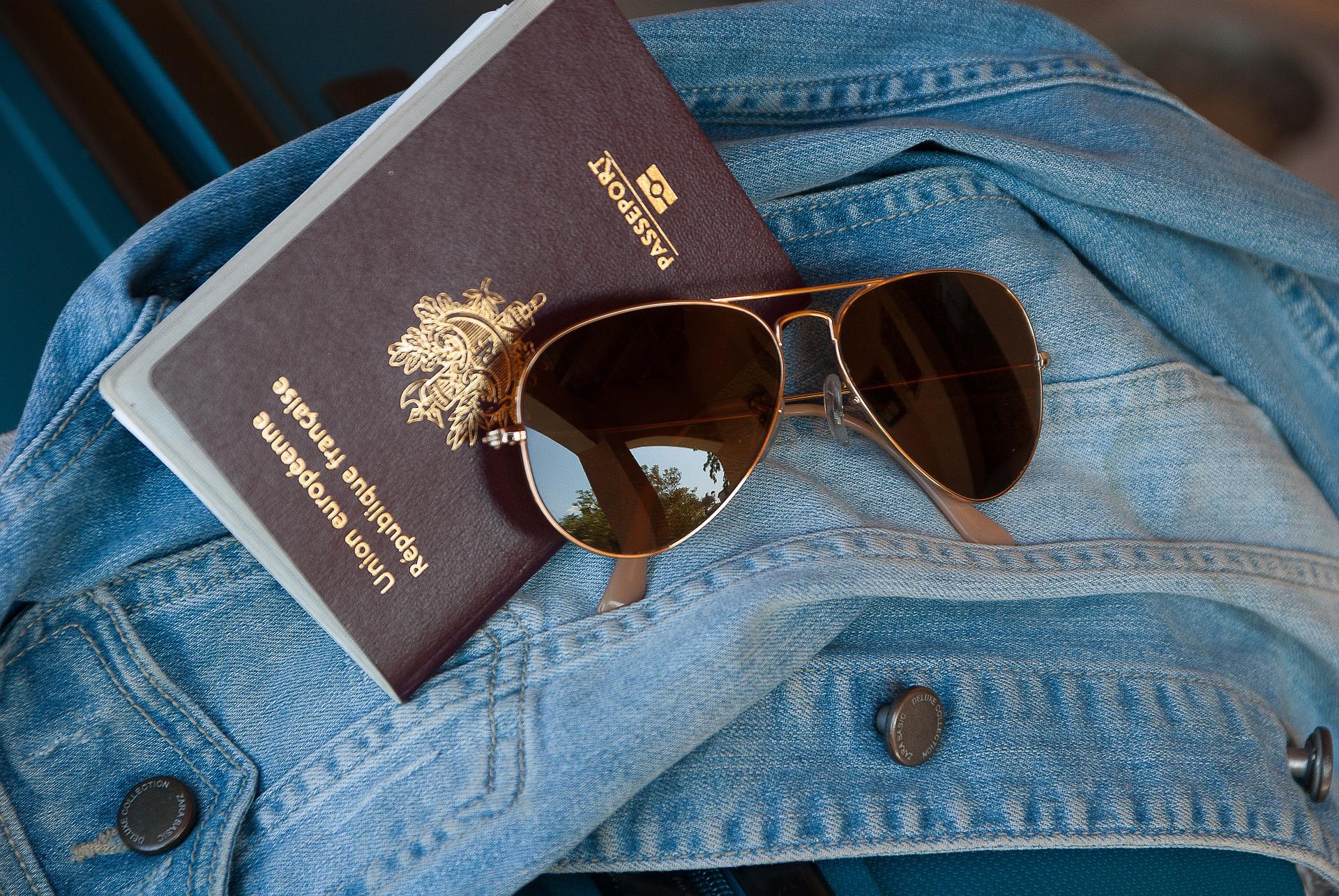 Passport Travelling UK Almond Voc. Link Erasmus+