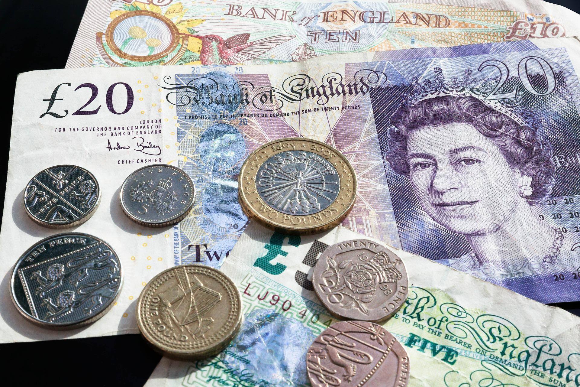 Pounds UK Exchange Almond Voc. Link Erasmus+